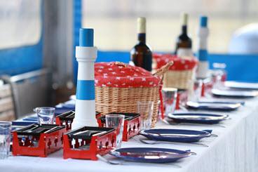 raclette raclette plausch rhein fondue fonduefahrt fondueessen fondue auf dem schiff fond. Black Bedroom Furniture Sets. Home Design Ideas